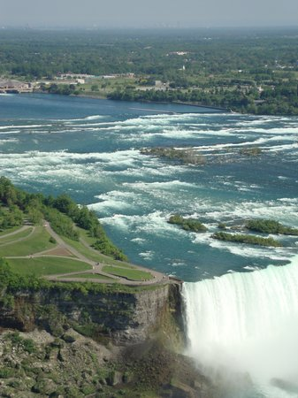 Cataratas del Niágara, Canadá: Niagara Falls 2010-Up in the Skylon Tpwer