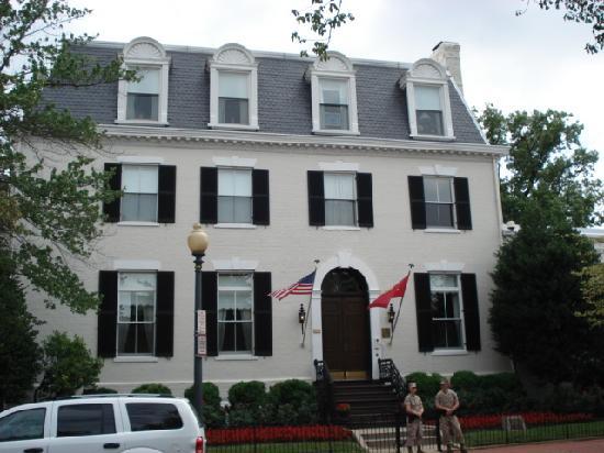 DC Metro Food Tours: Marine Commandant residence