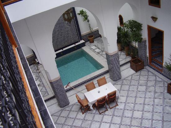 Riad Layali Fes: vista patio dal secondo piano