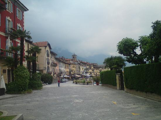 Antica Stallera Hotel: Cannobio main square