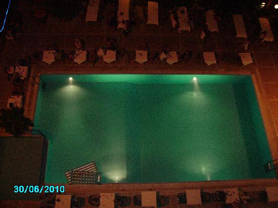 Sesin Hotel : Pool at night from the roof or 6th floor room!