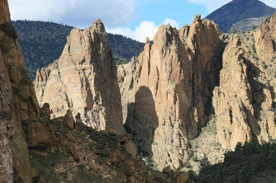 Redmond, Oregón: Smith Rock State Park - rugged landscape