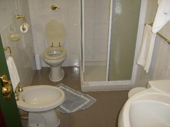 CityLine Hotel Liberty: bathroom