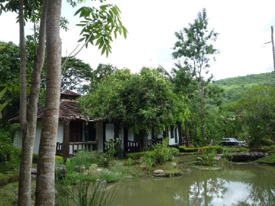 Bulun Buri Resort Chiangmai: 3 of the bungalows