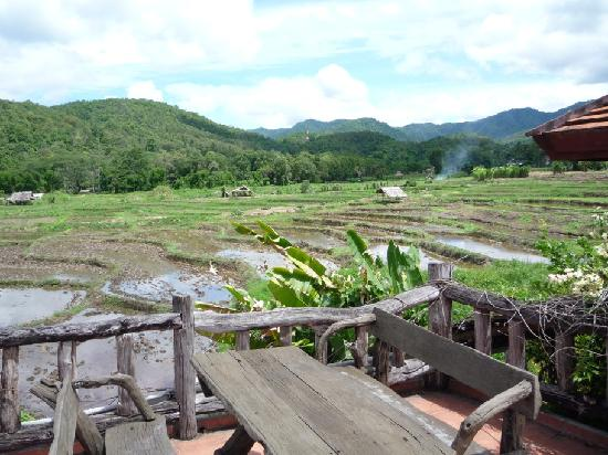 Bulun Buri Resort Chiangmai: view from the restaurant upper terrasse