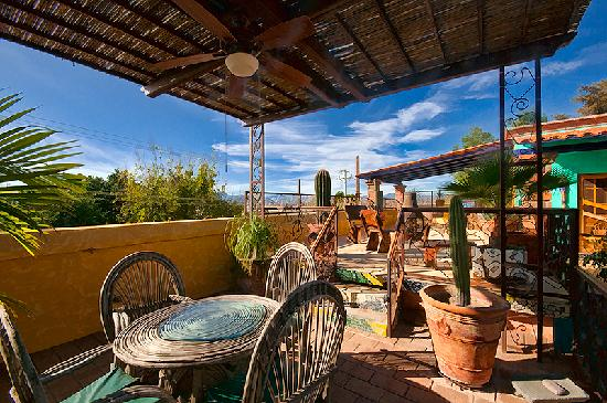 Banamichi, Mexico: We have a fire pit stocked with wood for those chilly, starry nights.