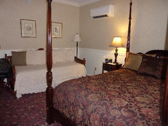 Kennebunkport Inn: Room 301