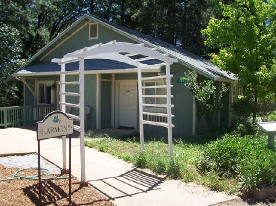 The Expanding Light Retreat : Harmony House