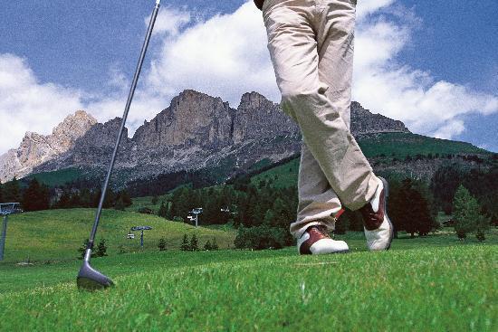 Berghotel Moseralm: Playing golf at Carezza