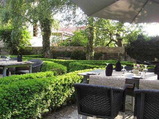 Hotel Herrnschloesschen: Garden restaurant