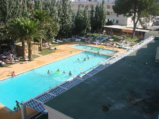 Hotel Playa Santa Ponsa: Pool area
