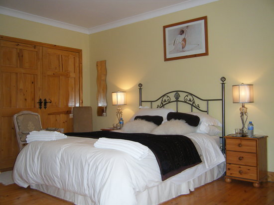 Newlands Lodge: Queen Bedroom