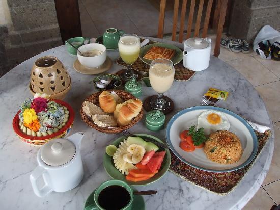 Alam Shanti: Breakfast (Saraswati)
