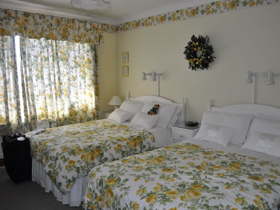 Marless House Bed & Breakfast: Our room