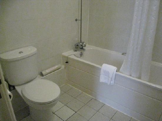 Best Western Banbury House Hotel: Bathroom 3