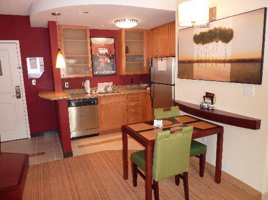 Residence Inn Pittsburgh North Shore: Kitchen Dinette