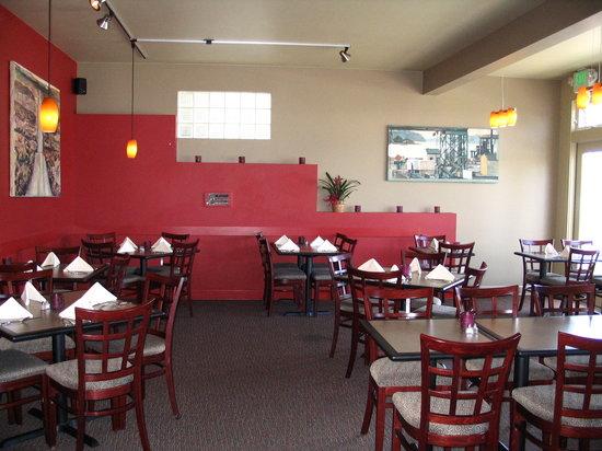 John's Grill: dining room