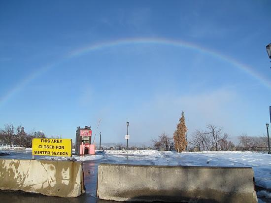 Lion's Head Bed & Breakfast: Rainbow at the Falls