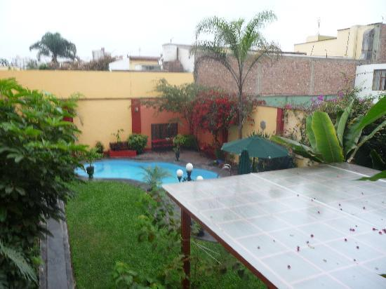 Peru Star Botique Apartments Hotel: Colurtyard from our room