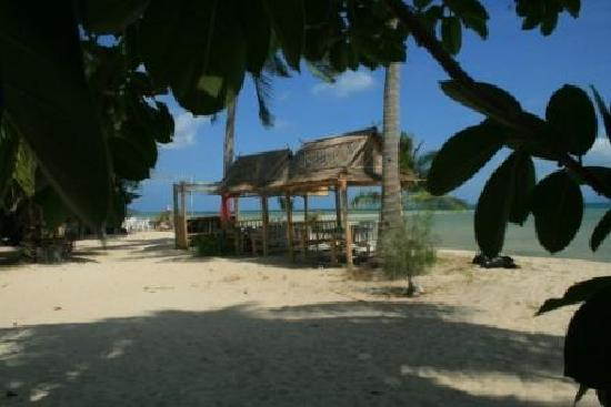 Holiday Beach Resort : good shot of beach