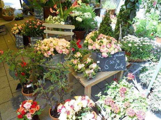 Hotel Cour du Corbeau Strasbourg - MGallery Collection: Flower shop near the hotel