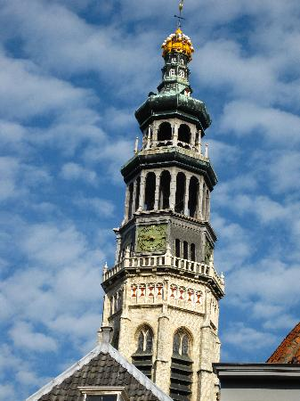 Abbey Tower of Long John (Abdijtoren de Lange Jan): You climb to where the windows are: just above the big bell.