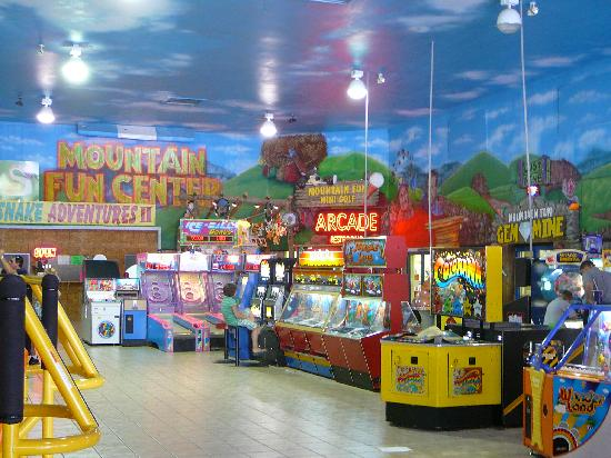 Mountain Fun Center: Arcade, Mini Golf & Gem Mine ...