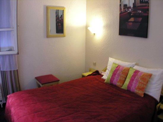 โรงแรมเดอ ฟรองซ์ อินวาลิเดส: Bed