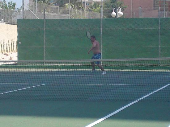 Gemelos XXII Apartments: One of the Free tennis courts
