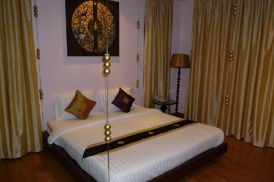 Glitz Bangkok Hotel: Room