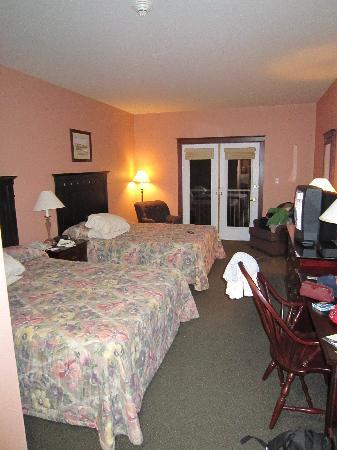 Rodd Crowbush Golf & Beach Resort: Standard room, 2 queen beds, golf view