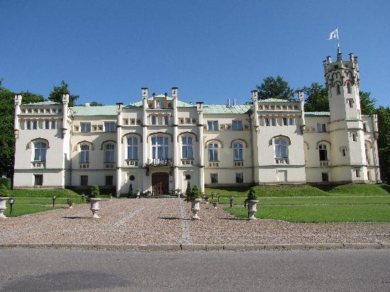Paszkowka Palace Hotel: The Palace