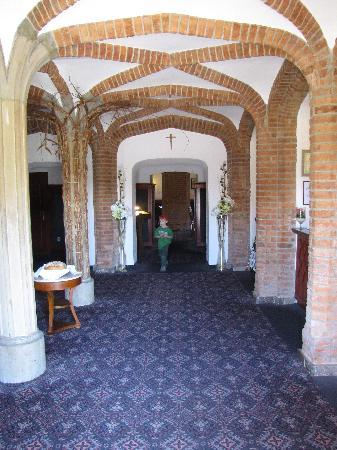 Paszkowka Palace Hotel: The lobby