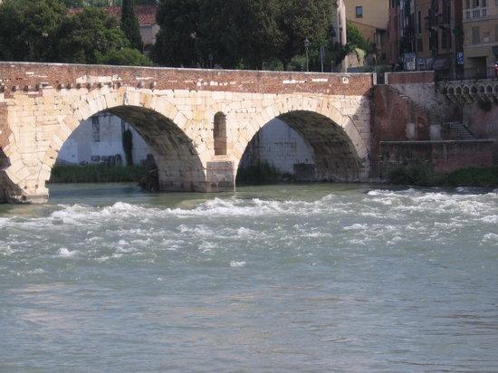 Hostaria Dall'Orso: Around the corner from the restaurant