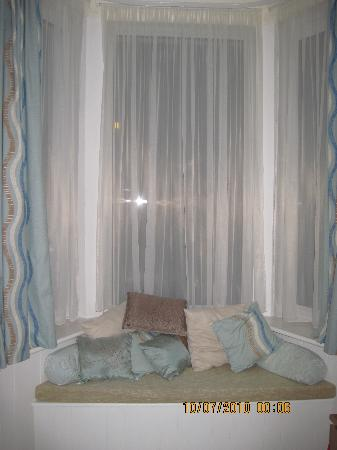 Sea Breezes: our gorgeous room