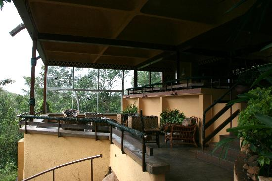 Masai Lodge: The bar area