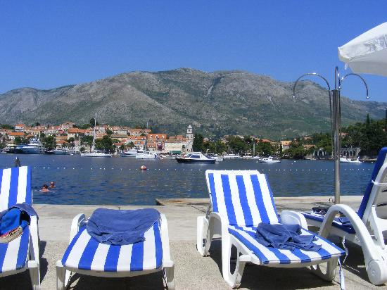 Hotel Croatia Cavtat : Down the beach