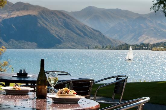Edgewater: Enjoy fine dining with spectacular views.