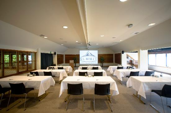 Edgewater: Combine business with pleasure at the centrally-sited conference venue, which has its own entran