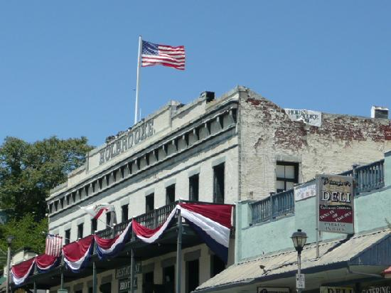Historic Holbrooke Hotel