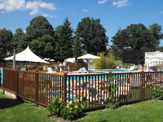 Le Chateau des Marais : Pool Complex