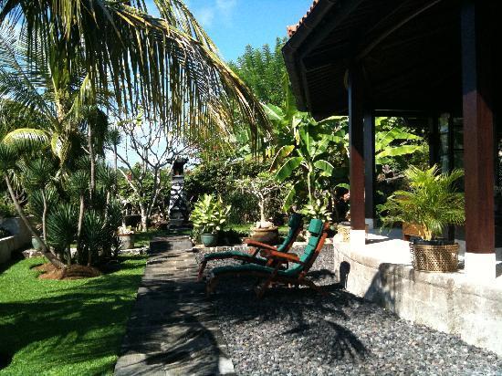 Canang Sari Villas : Living room
