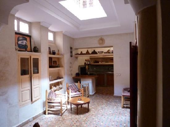 Riad Johenna: Erdgeschoss, Küche und Eingang