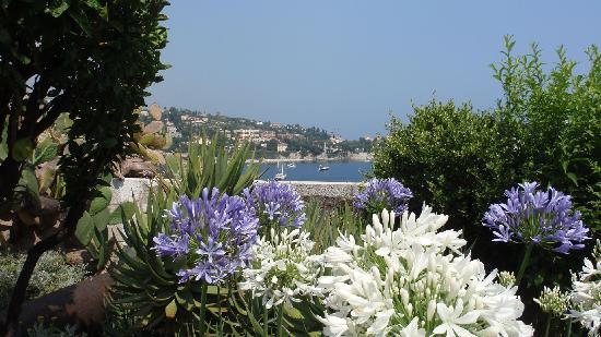 Villefranche-sur-Mer, Frankrig: view of the bay from the fort