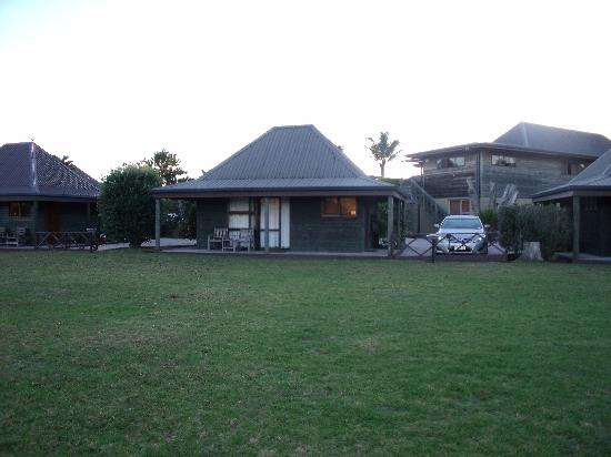 Pacific Harbour Lodge: Our little lodge