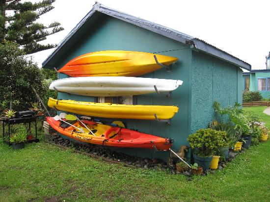 On the Beach Backpackers: Free (and very colourful) kayaks to use