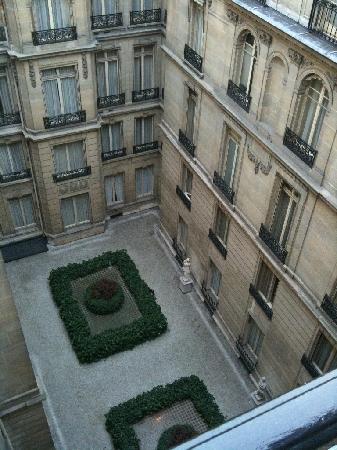 Hotel de Crillon: view from room