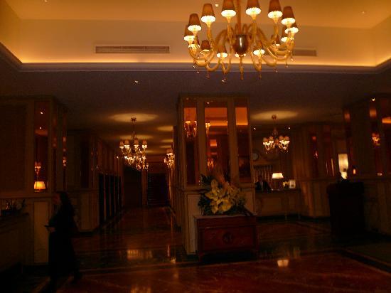 Hotel Principe Di Savoia: ロビー、またお部屋を撮るのを忘れてしまいました。。