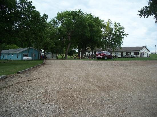 Schmidt 39 s landing resort big stone city campground for Giant city lodge cabins
