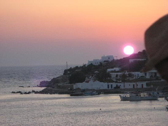 Mykonos Grand Hotel & Resort: sunset view from the beach